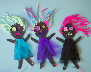 spooky-doll-bunting