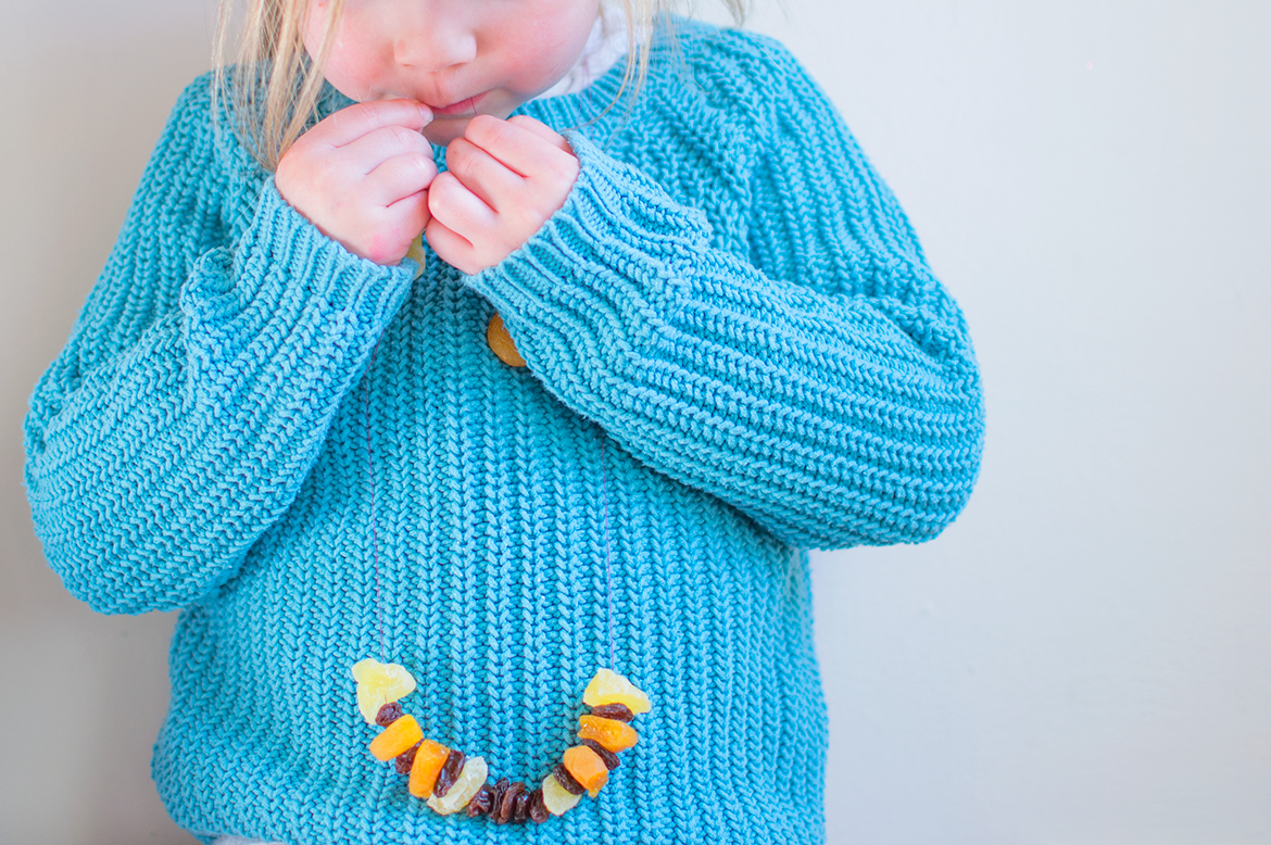healthy-alternative-to-a-candy-necklace