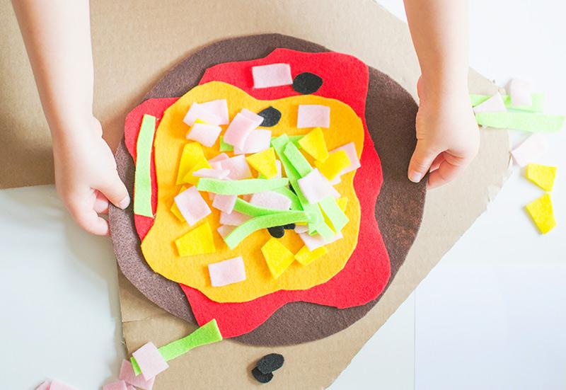 play-food-ideas-felt-pizza
