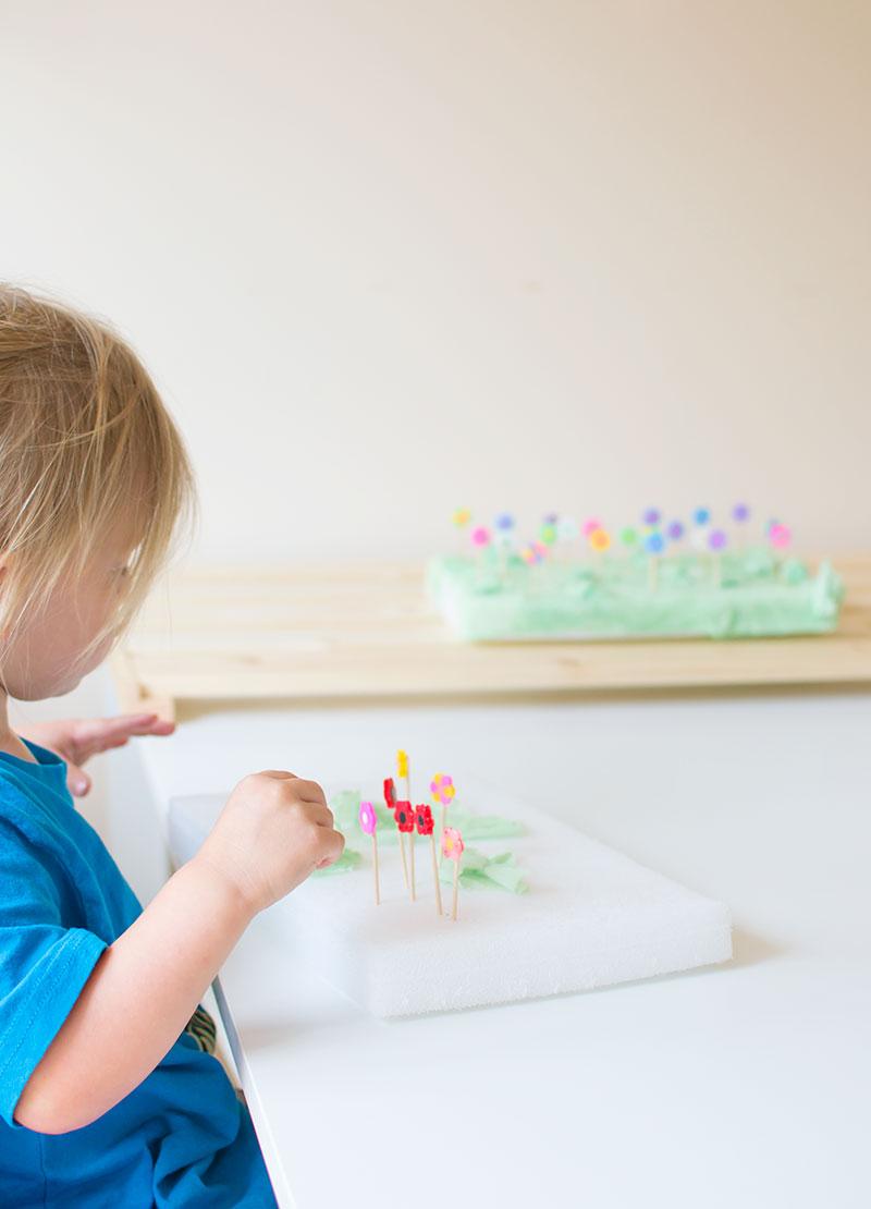 kids-making-flower-garden
