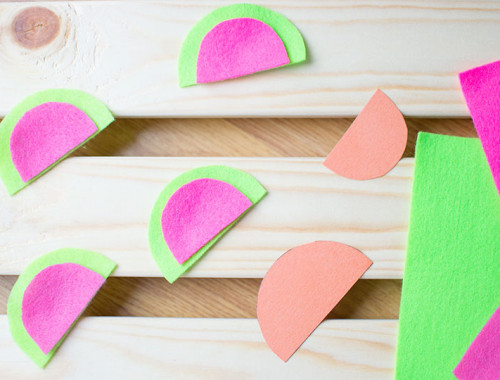 make-your-own-felt-watermelon-necklace