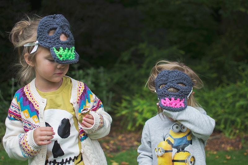 crocheted-skull-masks