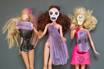 dolls-in-masks-and-paper-dresses