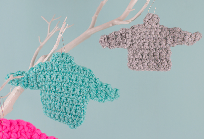 crocheted-mini-jumper-ornaments