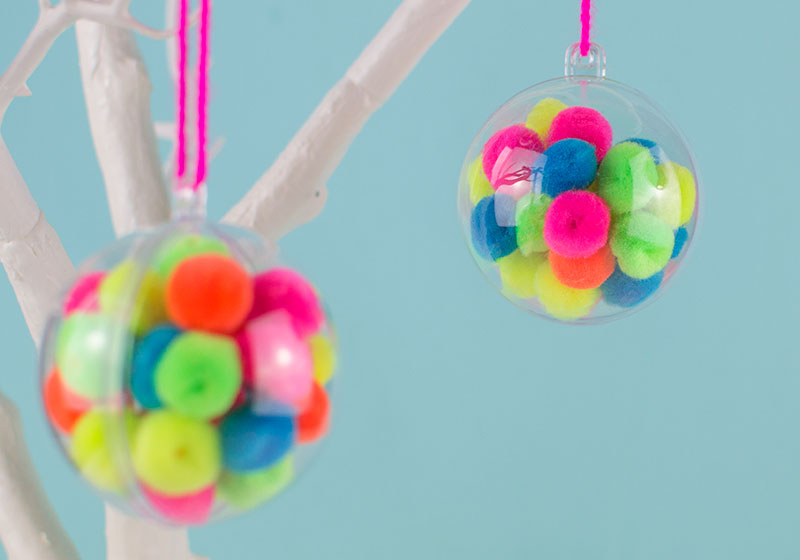 diy-pom-pom-Christmas-baubles