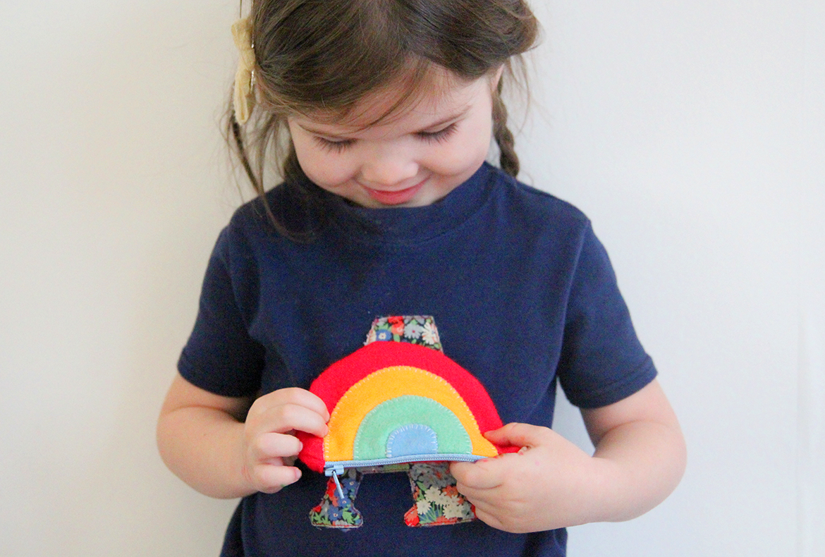 MAKE-A-RAINBOW-PURSE-2