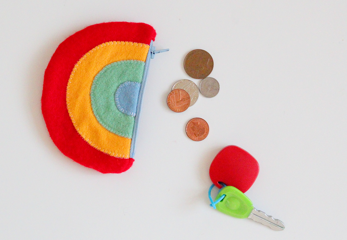 felt rainbow purse diy