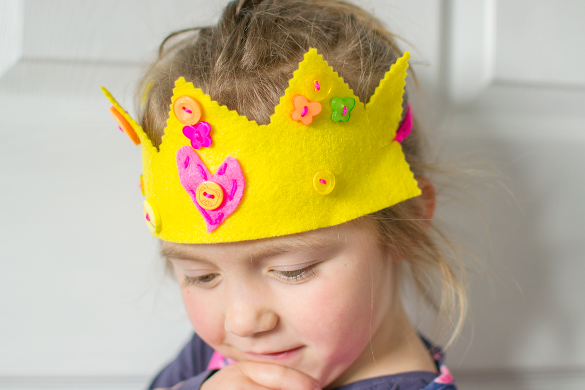 easy-felt-crowns-for-kids