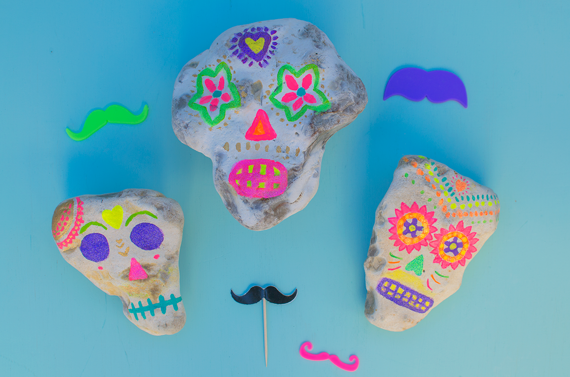 day-of-the-dead-painted-rocks-sugar-skulls