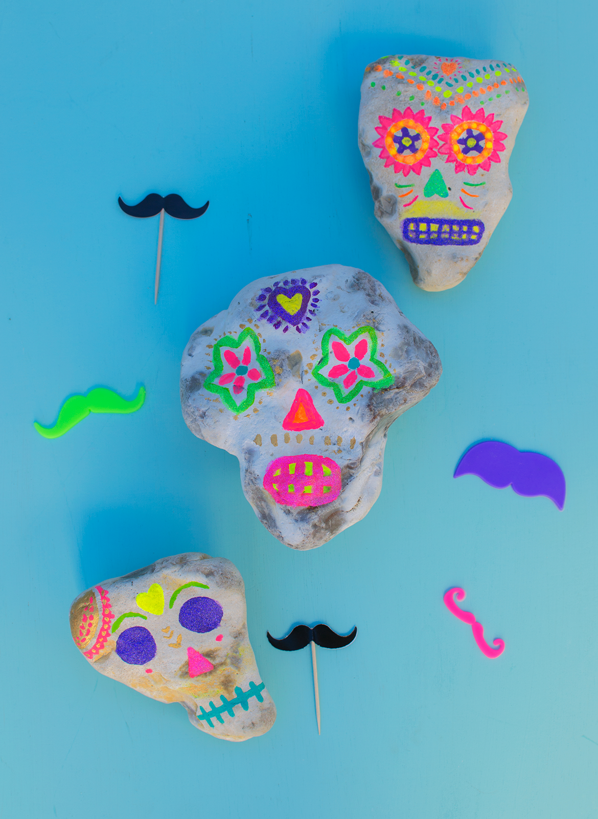 painted-sugar-skull-rocks