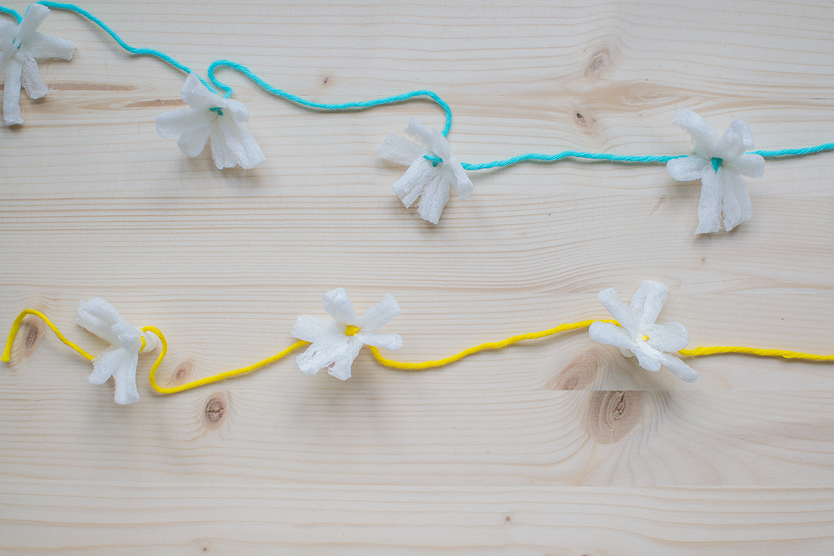 how to turn packing peanuts into flowers